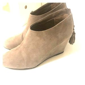 CL by Chinese Laundry Shoes - Gray - Size 9